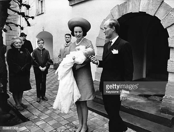 La Princesse Benedikte et son mari le Prince Richard au bapteme de leur premier fils le Prince Gustav le 13 avril 1969 a Berleburg Allemagne