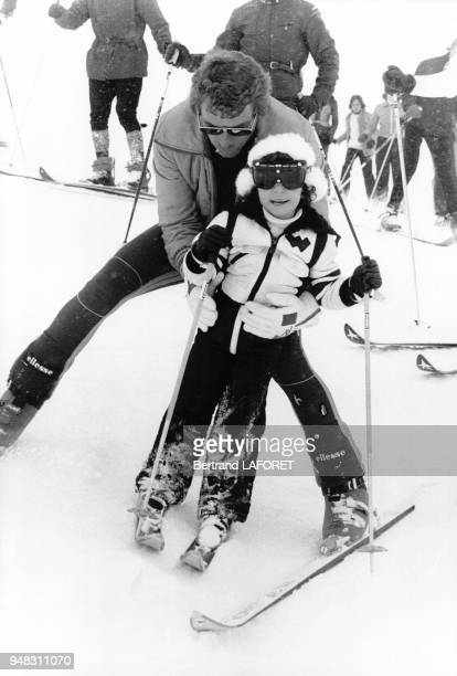 La princesse Farahnaz Pahlavi skiant en Iran circa 1970