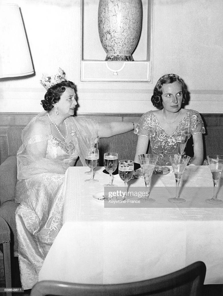 La Princesse Kira de Prusse et la Princesse Regina de Sachsen-Meinigen : News Photo