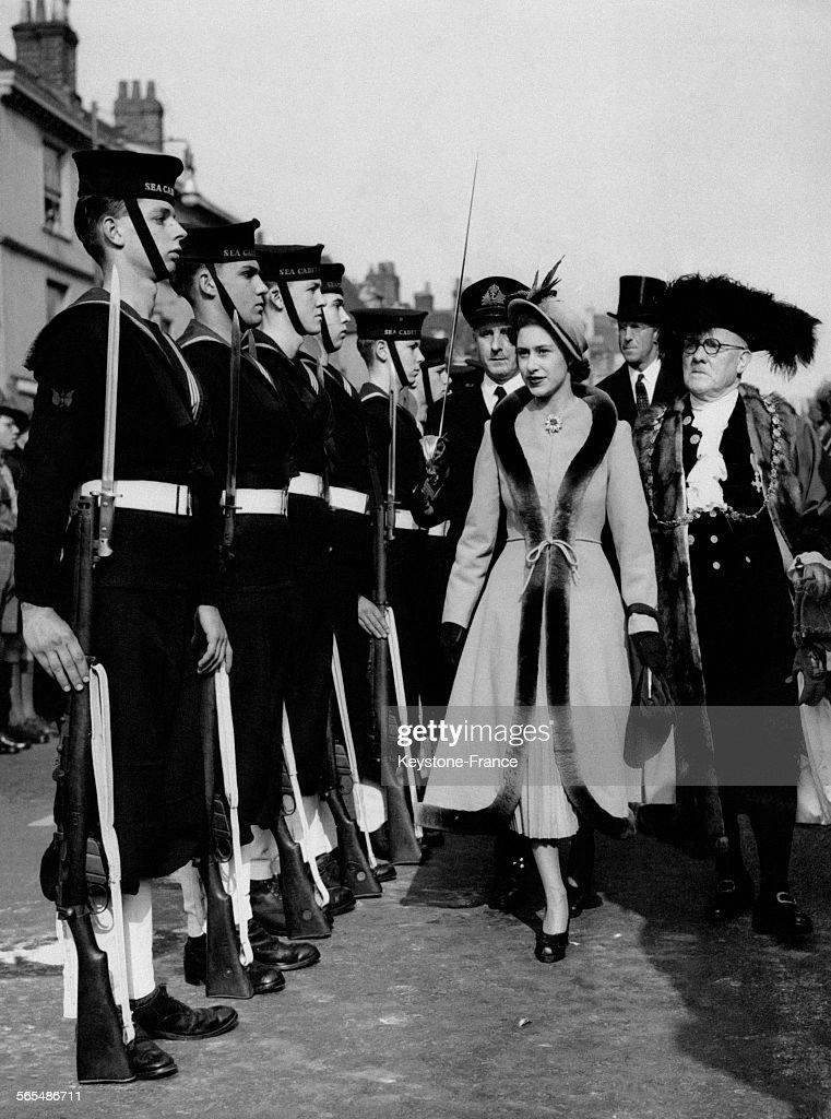 Garde d'honneur pour la Princesse Margaret : News Photo