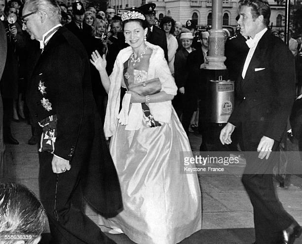 La Princesse Margaret et son epoux Lord Snowdon sont recus par l'Ambassadeur autrichien en 1966
