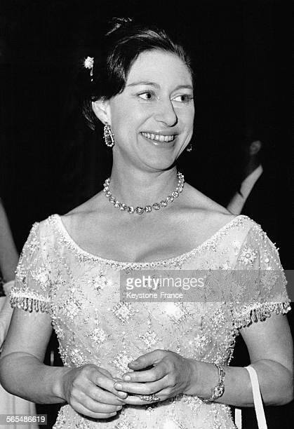 La Princesse Margaret lors d'une présentation de la collection Balmain le 25 mars 1966 à Londres RoyaumeUni