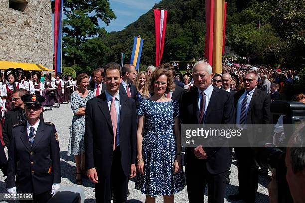 La princesse Sophie de Wittelsbach le prince Aloïs et le prince HansAdam II lors de la Fête Nationale le 15 août 2016 à Vaduz Liechtenstein