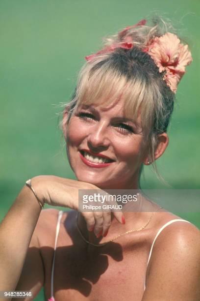 La présentatrice de télévision Evelyne Leclercq en vacances à la Guadeloupe le 10 janvier 1989
