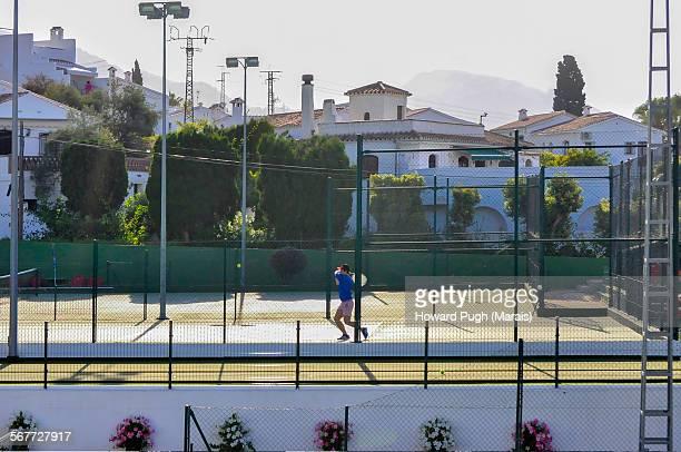 la raqueta, tennis, padel-tennis sports club - howard pugh stock pictures, royalty-free photos & images