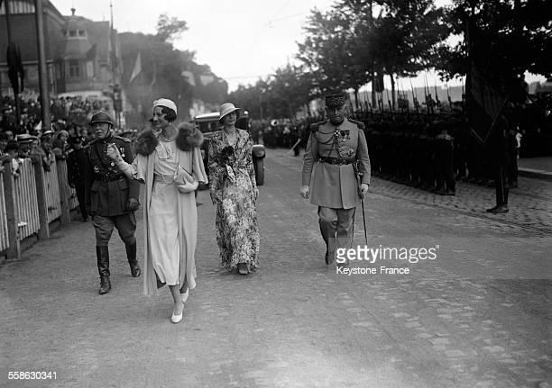 La Reine Astrid de Belgique arrivant pour une revue militaire circa 1934 a Bruxelles Belgique