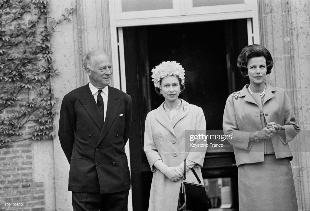 La reine Elisabeth en visite en Belgique : News Photo