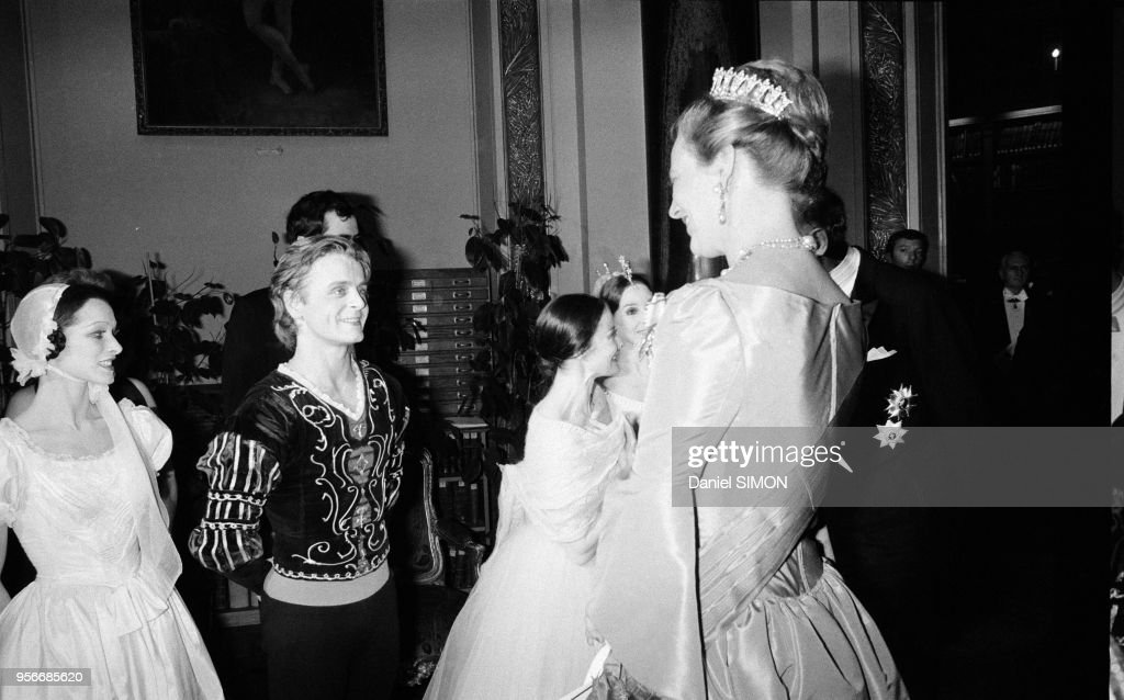 La Reine Margrethe du Danemark et Mikhaïl Barychnikov en 1978 : News Photo