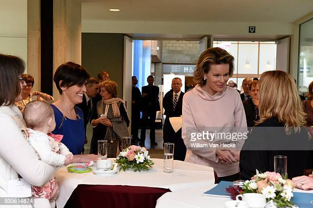 La Reine Mathilde assiste au symposium international Cancer grossesse et fécondité à l'Universitair Ziekenhuis Leuven Ce symposium est organisé à...