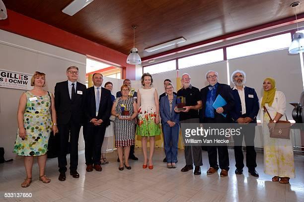 - La Reine Mathilde assiste à la remise du Prix Fédéral de Lutte contre la Pauvreté 2015 au CPAS de Saint-Gilles. Ce prix annuel vise à offrir une...