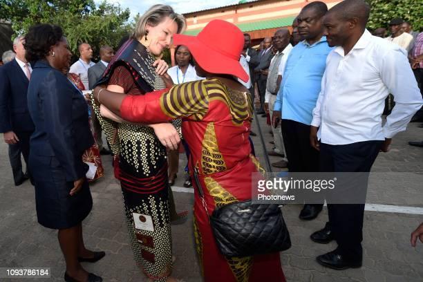 - La Reine Mathilde effectue une visite au Mozambique en sa qualité de Défenseur des Objectifs de développement durable des Nations Unies. - De...