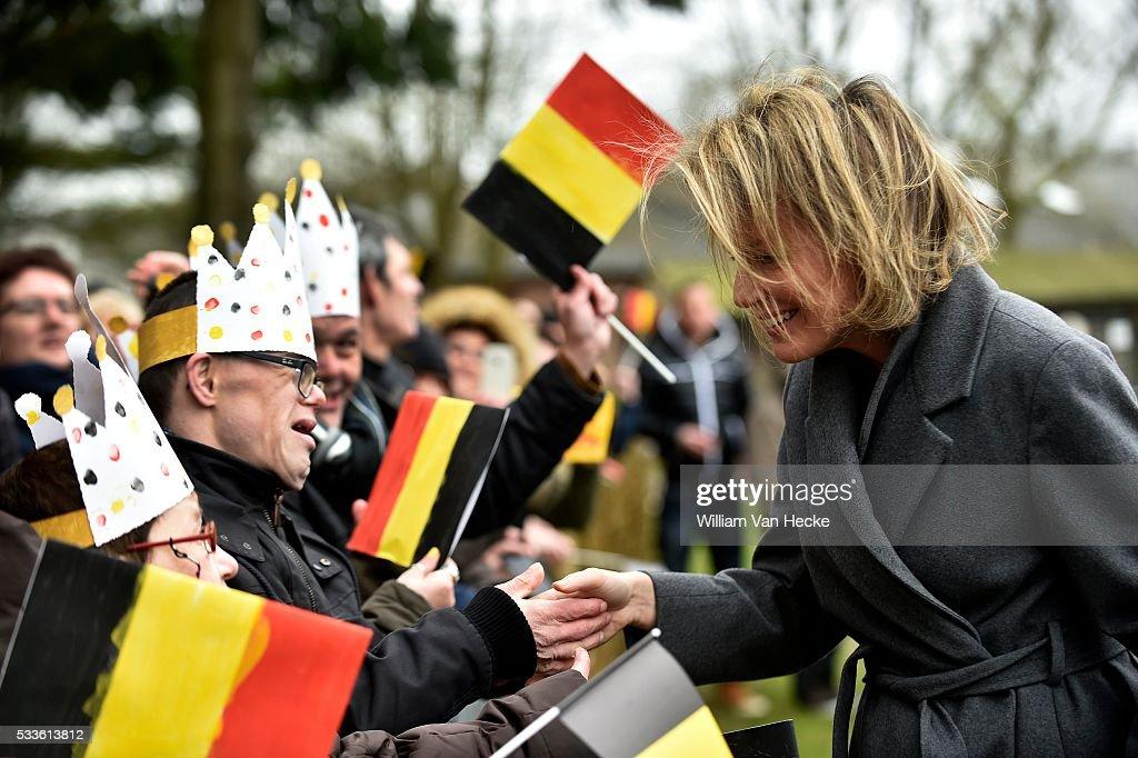 """Visit of Queen Mathilde to the health center """"Sint-Oda"""" : Nachrichtenfoto"""