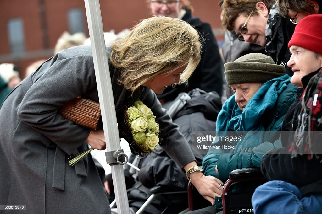 """Visit of Queen Mathilde to the health center """"Sint-Oda"""" : News Photo"""