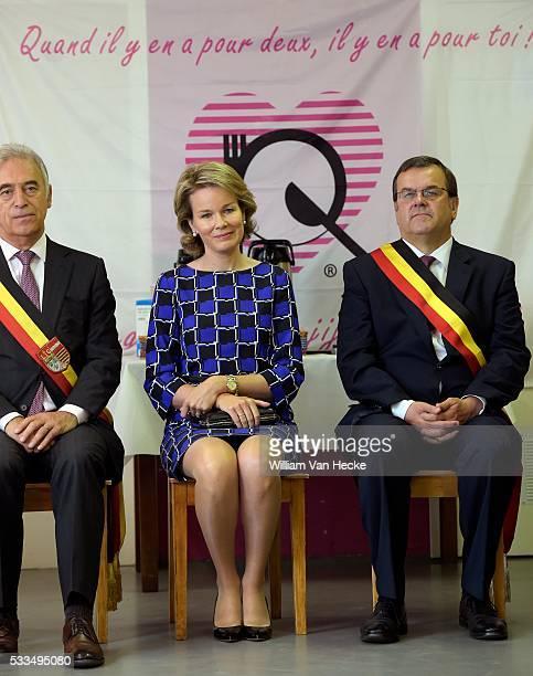 La Reine Mathilde visite le Relais Social du Pays de Liège un réseau qui aide toute personne en détresse sociale à Liège Koningin Mathilde brengt een...