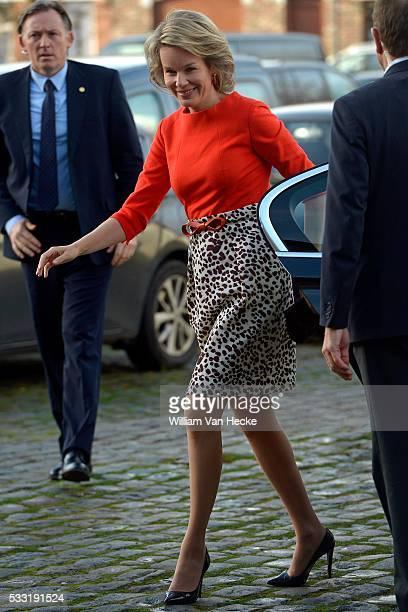 La Reine Mathilde visite l'exposition 'L'Homme le Dragon et la Mort' au Musée des Arts Contemporains sur le site du Grand Hornu Koningin Mathilde...