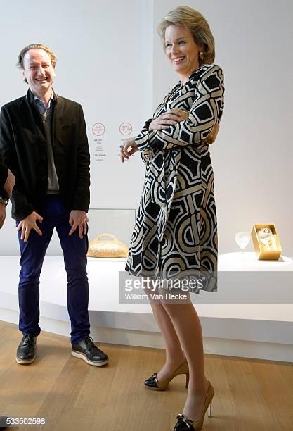 La Reine Mathilde visite l'exposition 'The Power of Object Design Bestsellers in Belgium' à l' ING Espace culturel à Bruxelles 25 designers belges...