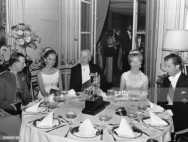 La Reine Paola de Belgique en compagnie des Duc et Duchesse de Kent célèbrent les 150 de la Bataille de Waterloo lors d'un dîner d'anniversaire...