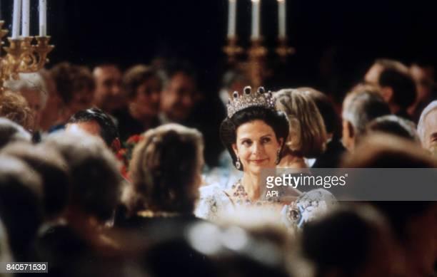 La reine Silvia de Suède lors de la cérémonie de remise du prix Nobel en 1995 Suède