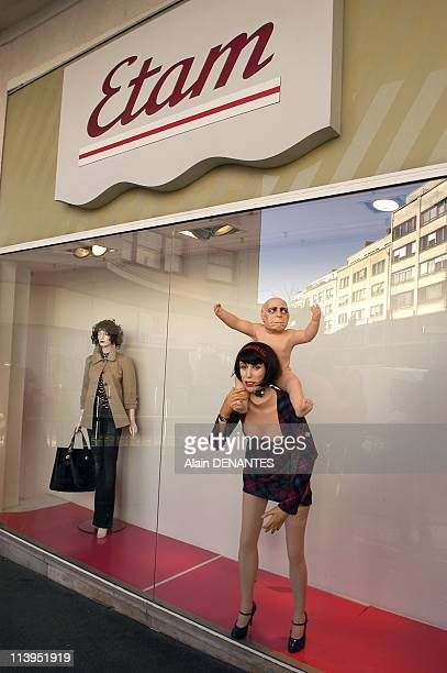 """""""La revolte des mannequins"""", new show of the theater group Royal de Luxe street in store windows In Nantes, France In February, 2008-Scene entitled..."""