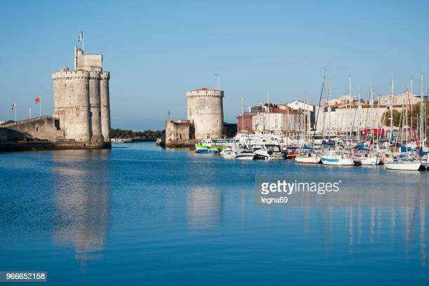 la rochelle, marina and tower san nicolas - la rochelle stock pictures, royalty-free photos & images