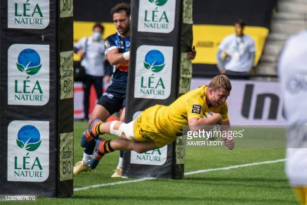 La Rochelle's French hooker Pierre Bougarit scores a try during the French Top 14 rugby union match between La Rochelle and SU Agen Lot-et-Garonne at...