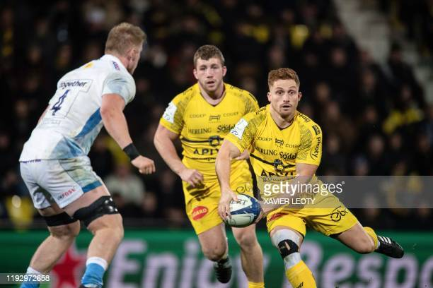 La Rochelle's New Zealand centre Tawera KerrBarlow scores a try during the European Rugby Champions Cup match between La Rochelle and Sale Sharks at...
