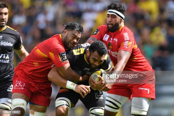 La Rochelle's New Zealand flanker Victor Vito vies for the ball during French Top 14 rugby union match between La Rochelle and Perpignan on September...
