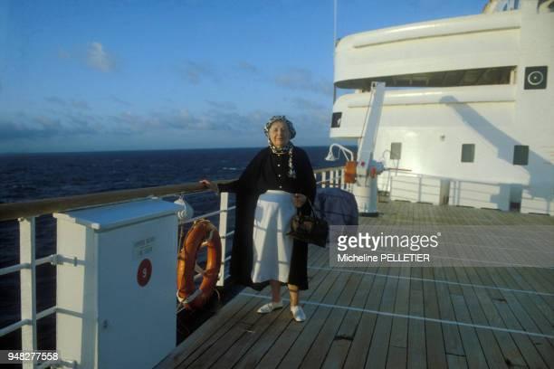 La romancière Marguerite Yourcenar en croisère le 8 mars 1980