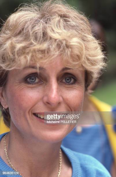 La romnacière et biographe française Catherine HermaryVieille à Paris en juin 1982 France