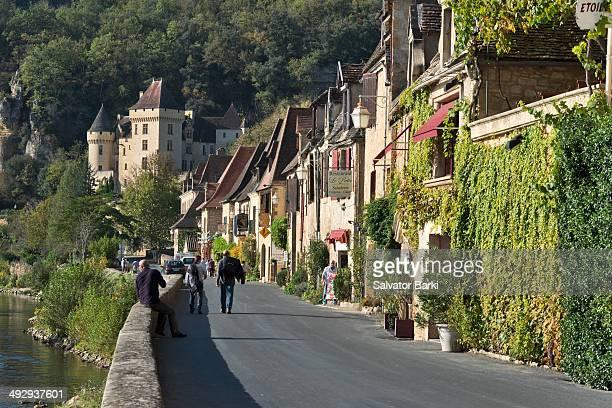 CONTENT] La RoqueGageac is a commune in the Dordogne department in Aquitaine southwestern France Perched above the Dordogne River the village is a...