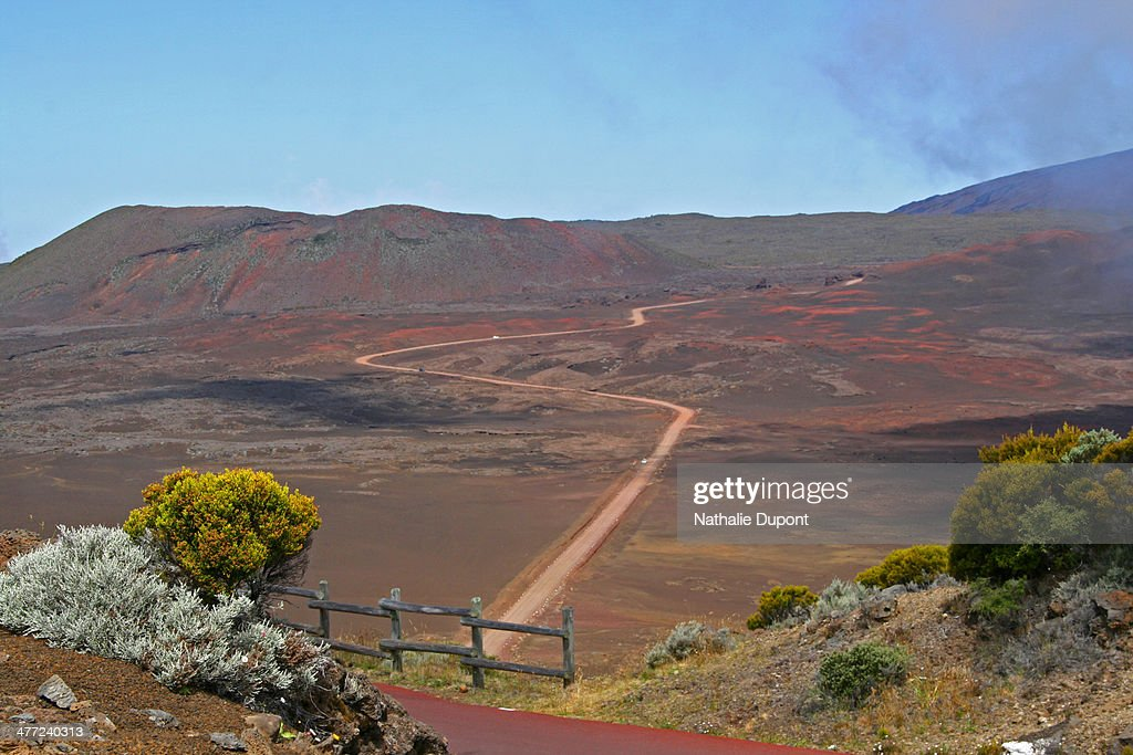 La route de la plaine des Sables... : Stock Photo