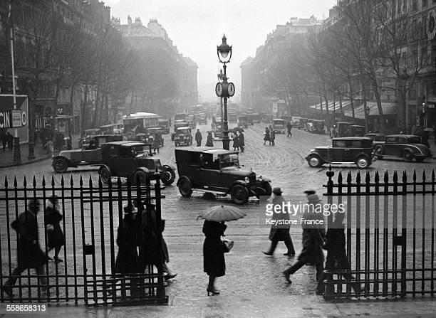La rue Royale sous les premières chutes de neige le 11 décembre 1930 à Paris France