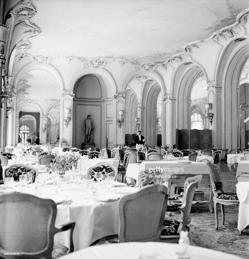 Salle A Manger Paris la salle à manger de l'hôtel ritz à paris, france, en 1948