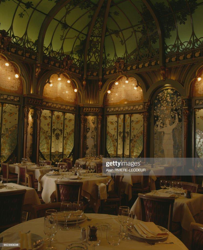 Salle A Manger Paris la salle à manger du restaurant ?la fermette marbeuf?, à