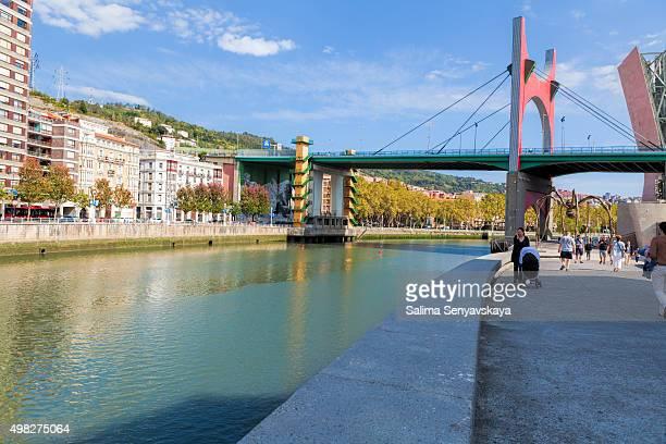 la salve bridge across nervion river. bilbao, spain - daniel buren stockfoto's en -beelden