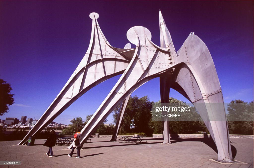 'L'Homme' D'Alexander Calder : News Photo