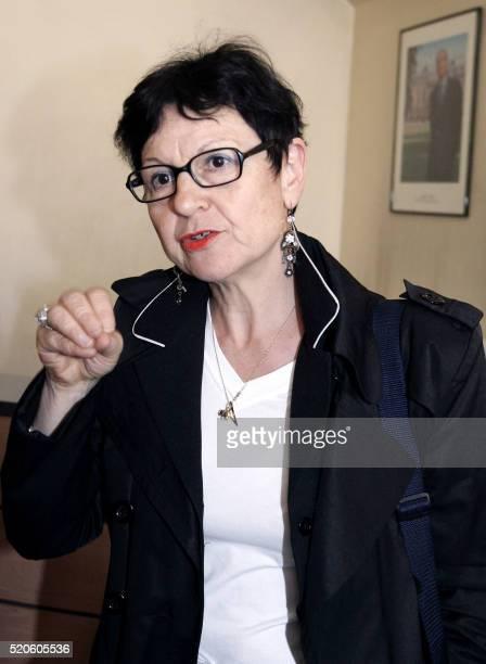 la secrétaire de FO Michèle Biaggi arrive le 10 juin 2005 au ministère du travail à Paris pour participer à la réunion entre le ministre du Travail...