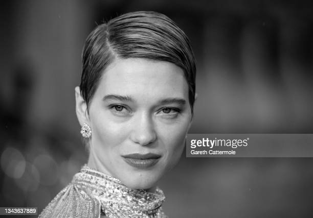 """Léa Seydoux attends the """"No Time To Die"""" World Premiere at Royal Albert Hall on September 28, 2021 in London, England."""