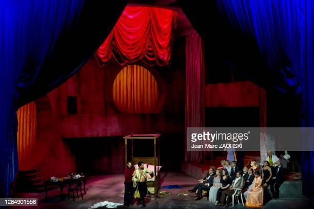 La soprano italienne Eleonora Burrato , le ténor français Julien Behr , la mezzo-soprano française Antoinette Dennefeld , le baryton-basse américain...