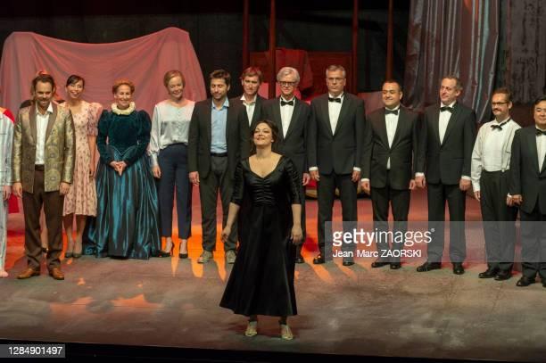 La soprano italienne Eleonora Burrato salue le public à l'issue de la générale de « Don Giovanni » de Wolfgang Amadeus Mozart, un opéra en deux actes...