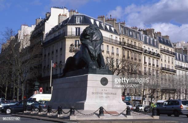 La statue du Lion de Belfort sur la place Denfert-Rochereau à Paris, en 2002, France.