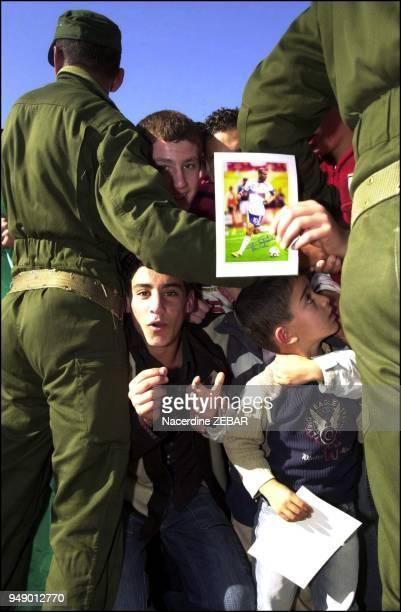 La troisieme escale du champion du monde est la ville de BeniAmrane qui a accueilli Zidane aux cris de Zizou Zizou Imazighen Incontestablement les...