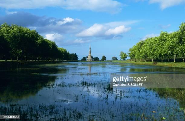 la pagode de Chanteloup Ministre de Louis XV dans les bonnes grâces de Madame de Pompadour le duc de Choiseul déplut à Madame du Barryainsi vintil...