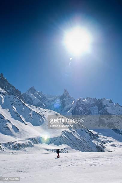 la vallee blanche, chamonix, france, on sunny day - valle blanche fotografías e imágenes de stock
