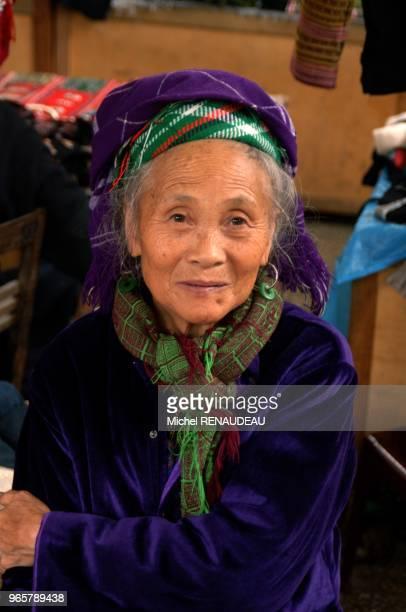 La ville de Sapa au Nord Vietnam et le point de départ de la découverte des Minorités son marché est trés animé La ville de Sapa au Nord Vietnam et...
