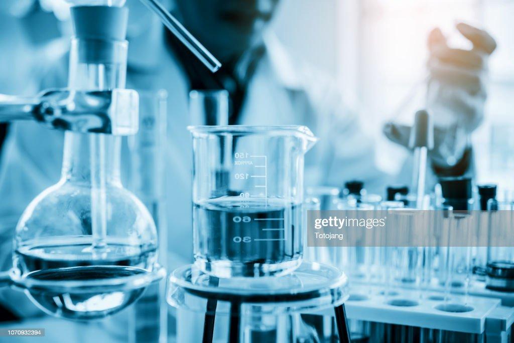 Lab glassware in chemical laboratory for research and development : Foto de stock
