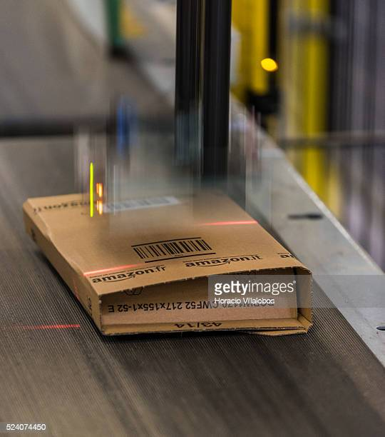 Labeling of package in Amazon logistics center FRA1 in Bad Hersfeld Germany 13 November 2014
