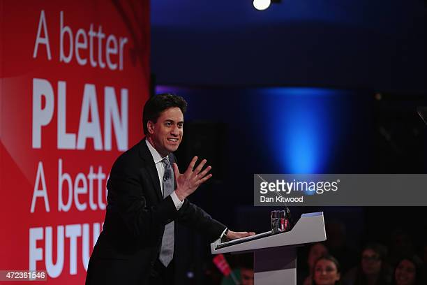 Labour leader Ed Miliband speaks during a campaign rally at Leeds City Museum on May 6 2015 in Leeds England Britain's political leaders are...