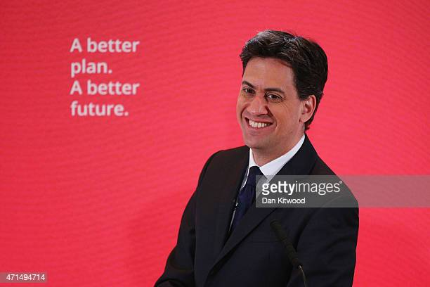 Labour leader Ed Miliband speaks to party members and members of the media during a Labour event on April 29 2015 in London England Party leader Ed...