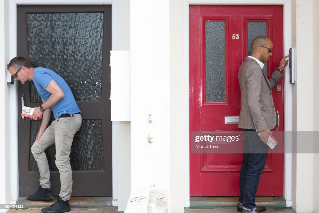 Chuka Umunna Visits Hove Constituency Of Labour Candidate Peter Kyle